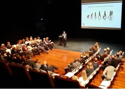 Keynote robots in de zorg, Drs. Tom Ederveen