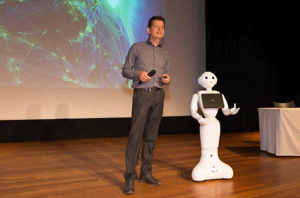 Drs. Tom Ederveen, robots in de zorg