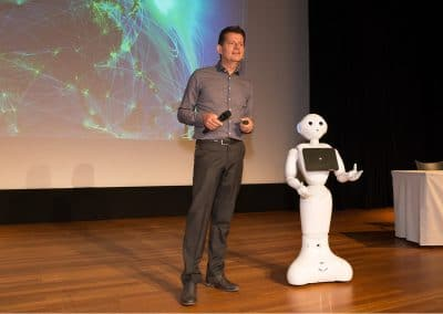 Keynote robots en technologie voor zorg en welzijn, Tom Ederveen
